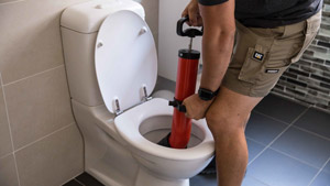 plombier débouchage toilette wc